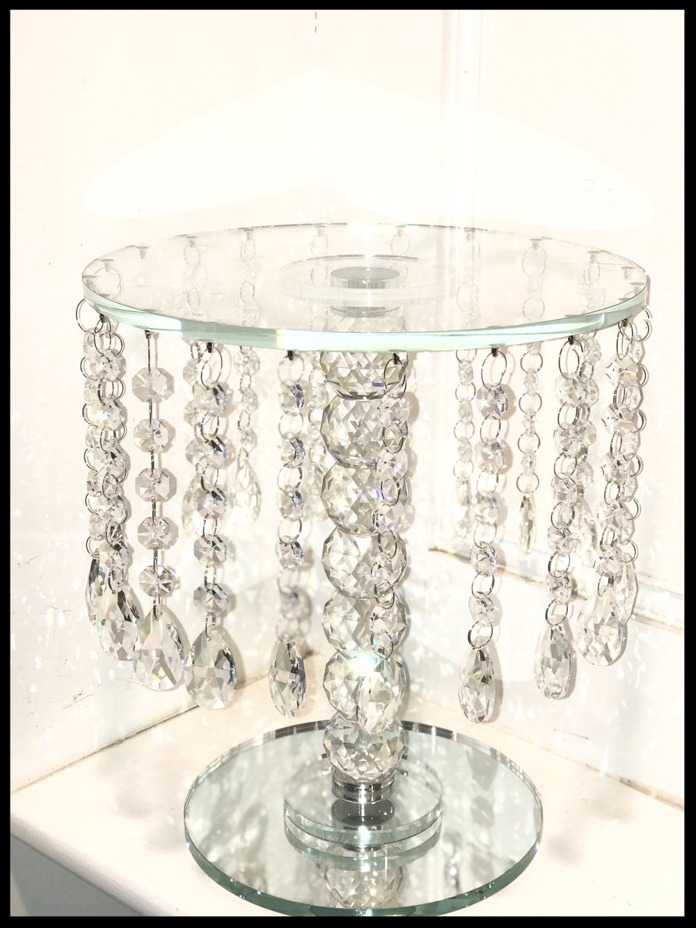 Round Crystal Glass Stand