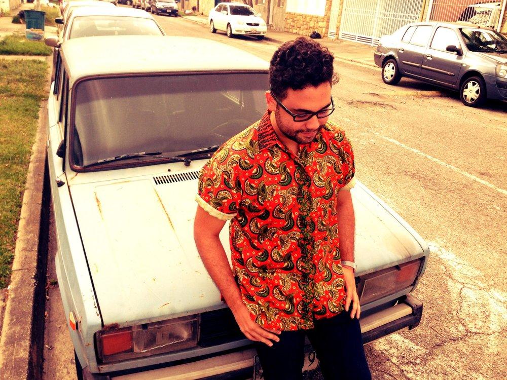 POCZ - DE: CaracasVIVE EN: CDMXHANDLE: @DjPoczEN SISAH: Productor musical, Ingeniero, Emperador Tropidarks.