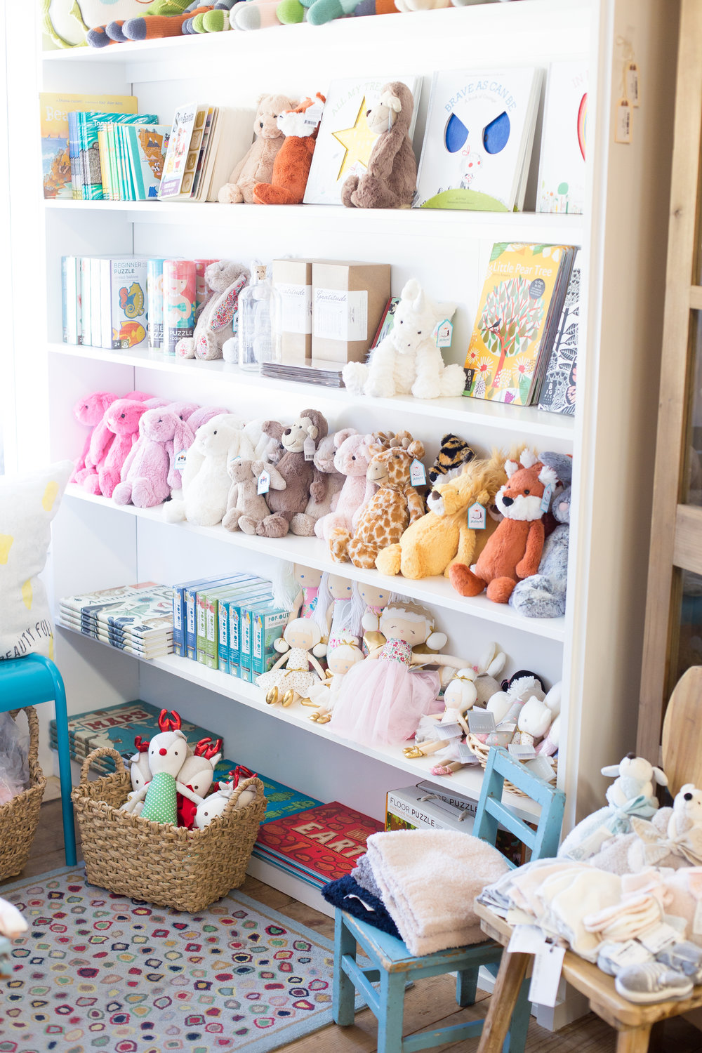 Children's books, baby books, luxury plush stuffed animals