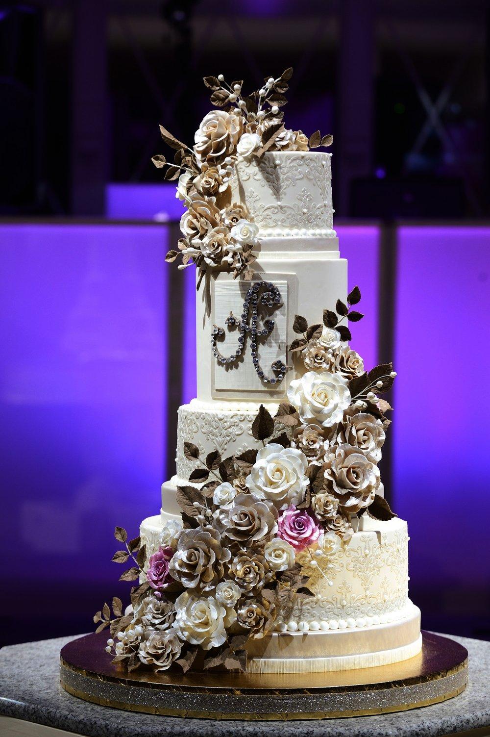 wedding cakes -