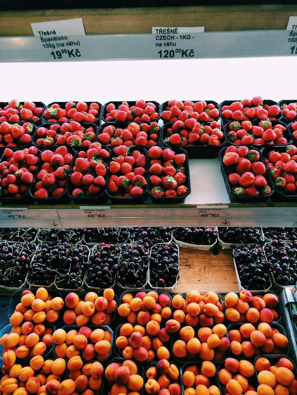 fresh-fruit-prague.JPG