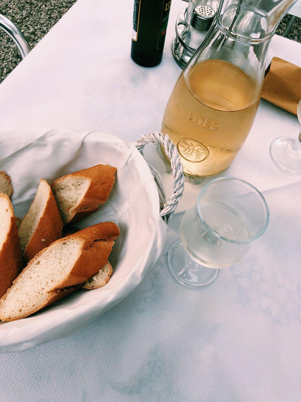 bread-wine-italy.JPG
