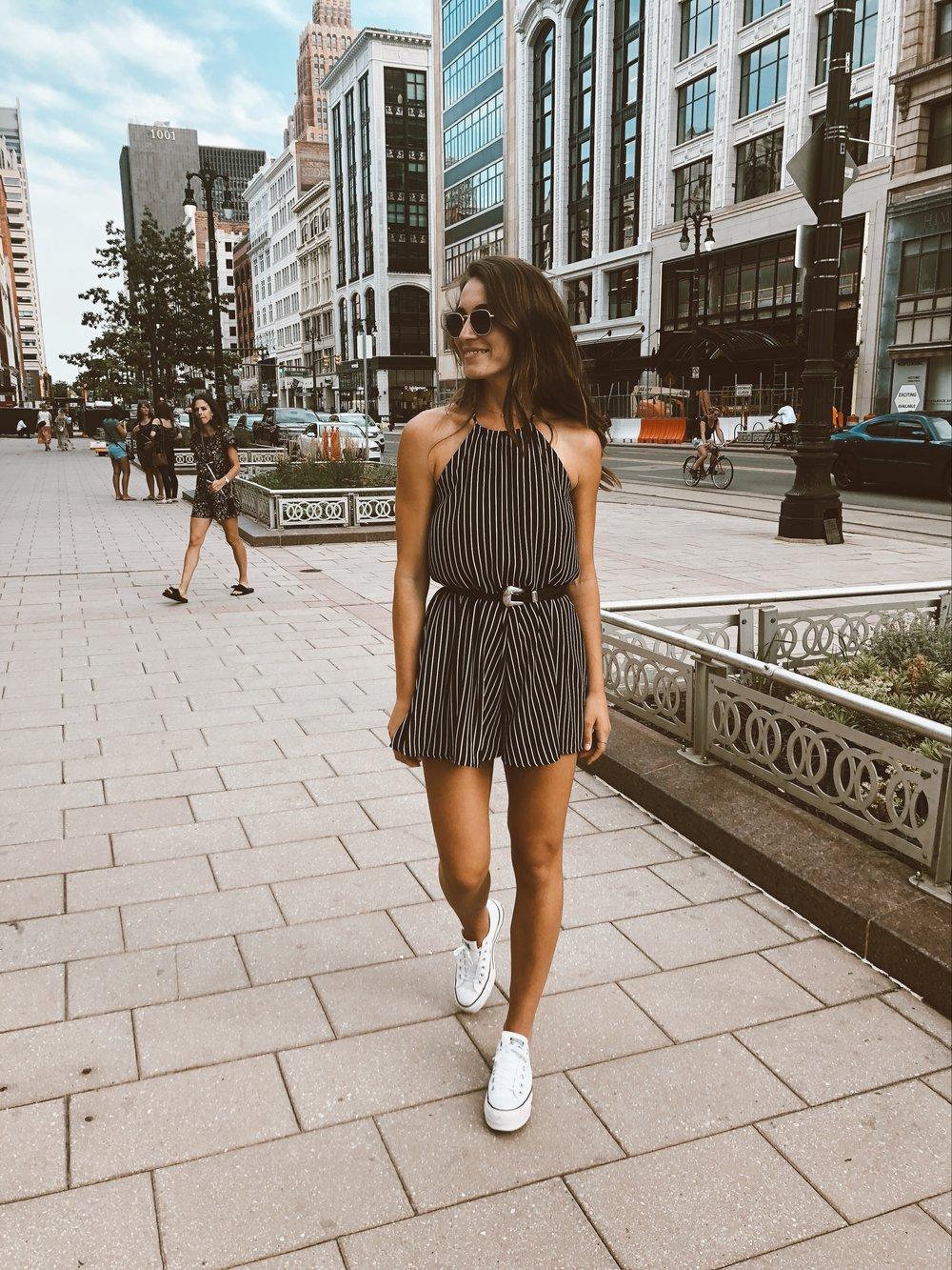 fashion-blogger-pose