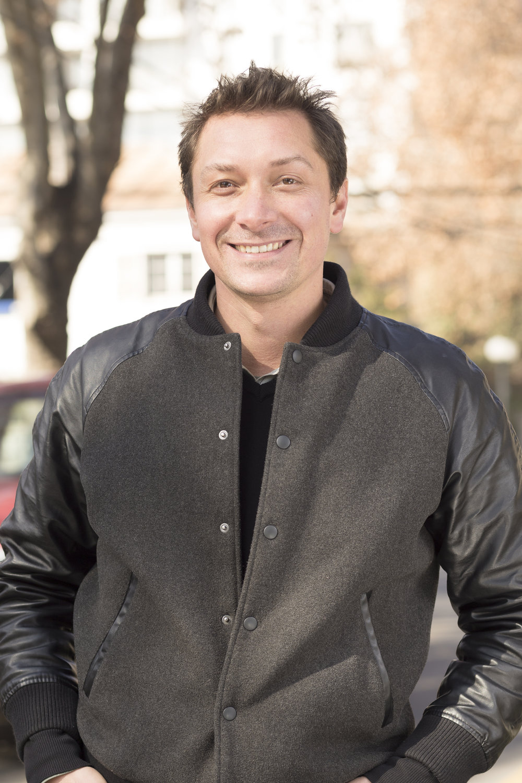 JAVIER VERGARA PETRESCU  Co-fundador & Director Ejecutivo