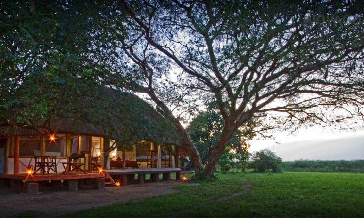 bakers safari lodge uganda africa