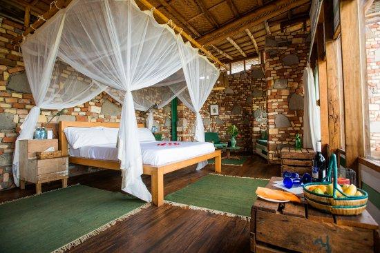 kyambura gorge lodge uganda africa