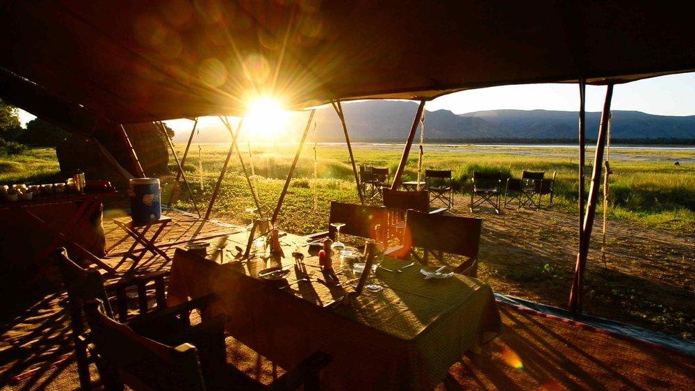 african safari experts zambezi expeditions mana pools zimbabwe