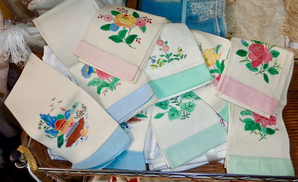 Assorted Colour Hand Towels-1.jpg