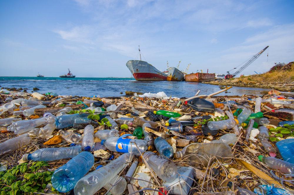 plastic-trash-in-oceans-and-waterways.jpg