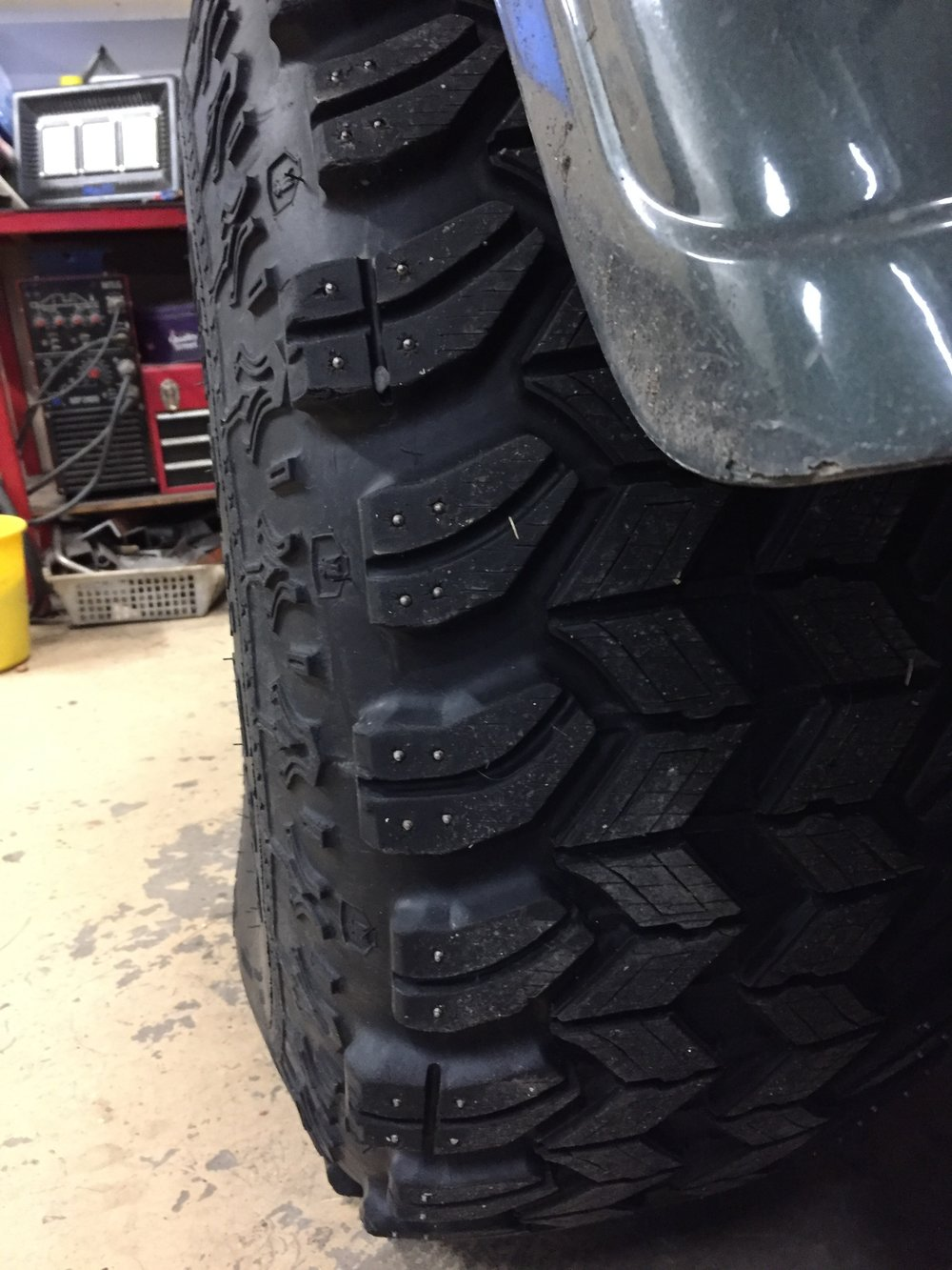 heavy duty tyres.JPG
