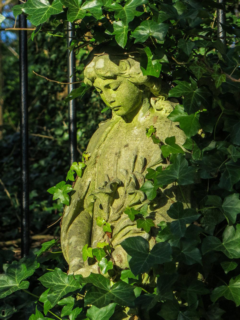 Susannah_Sheppard_Photography_Highgate_Cemetery