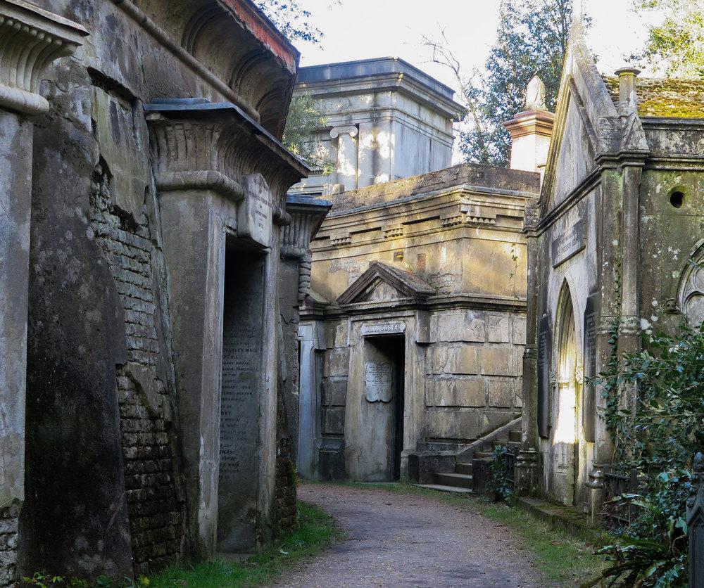 Susannah_Sheppard_Photographer_Highgate_Cemetery