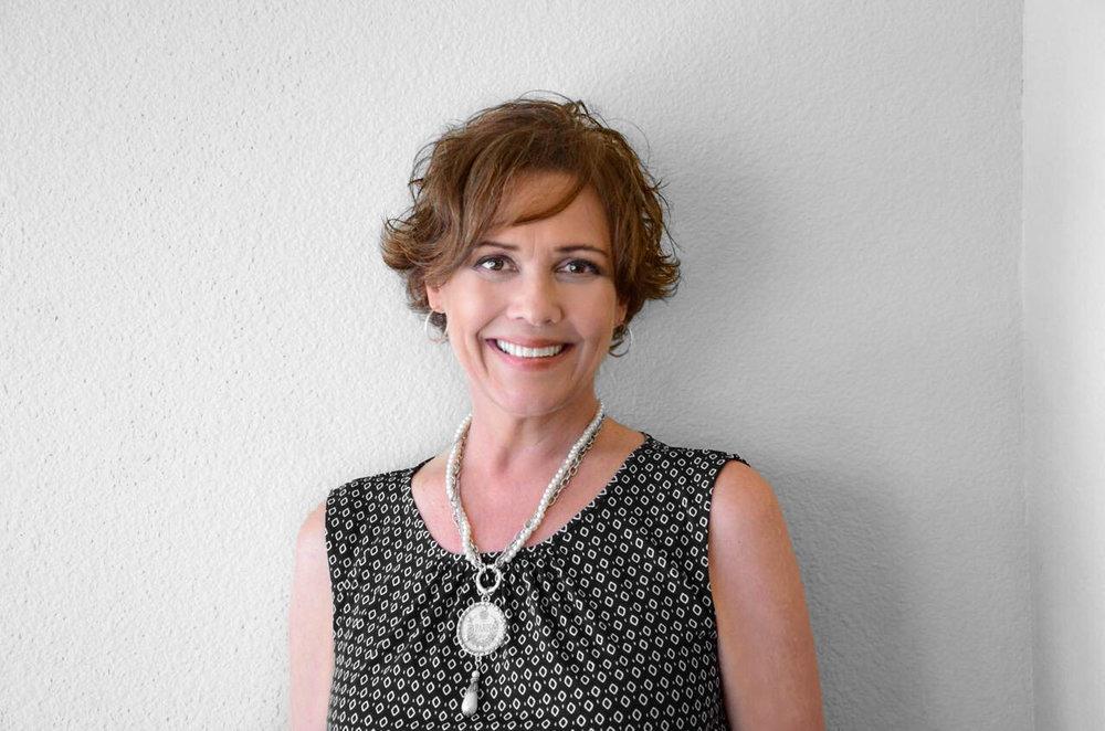 Lisa Sloan Pic-1.jpg