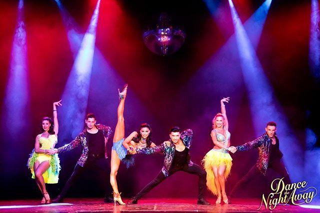 Announcement🚨  Ready... Steady... Showtime... Nu är biljetterna officiellt till försäljning för 'Dance The Night Away' som turnerar i en stad nära dig hösten 2019.  Missa inte denna möjlighet boka dina biljetter idag! Link i bio... ———————————————————— Tickets are officially now on sale for 'Dance The Night Away' touring Sweden autumn 2019 in a city near you.  Don't miss out! Book now and get your tickets today! Link in bio... @dancethenightawayshow  www.dancethenightaway.se ———————————————————— Photography @fionawhytepics 📸  #dancethenightawayshow #dancethenightaway #ballroom #latin #dance #show #sverigeturné #sweden #sverige