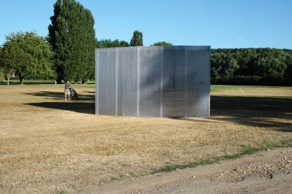 partita  . Polyester resin and polycarbonate. Dimensions: 3,20 m x 5,50 m x 3,70 m
