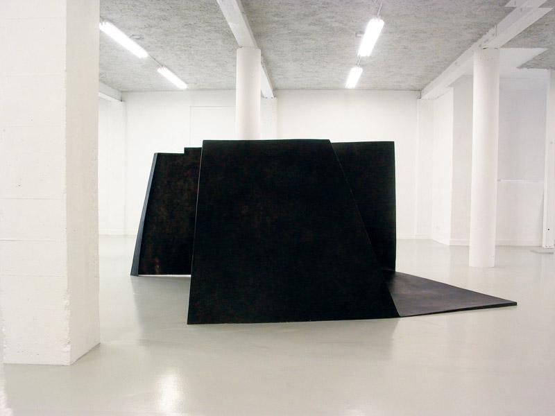 For Y S . La litre .2012      Epoxy resin & basalt fabrics. Dimensions: 145 x 300 x 212 cm