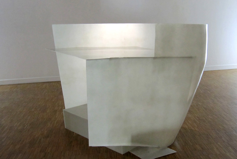 Lying angles . 2014. Polyester resin. Dimensions: 131 x 136 x 171 cm