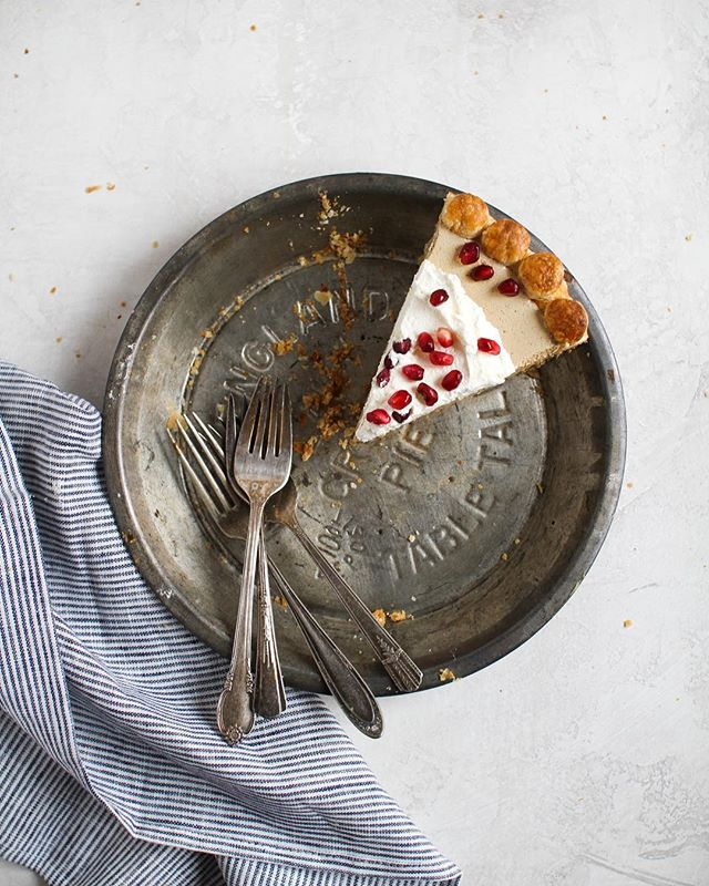 Which fork is gonna win the last slice of this Pomegranate Molasses Chiffon Pie? — Recipe coming this Friday🤘🏼 . . . . . #foxandcrane #thebakefeed @thebakefeed #feedfeed @thefeedfeed.baking @thefeedfeed #forkyeah #buzzfeedfood #gloobyfood #spoonfeed #tastingtable #foodandwine #buzzfeast #kitchenbowl #marthafood #imsomartha @marthastewart #lovefood @love_food #heresmyfood @food #thesugarfiles #bareaders #thekitchn #wsbakeclub #foodblogfeed @food52 #f52grams #f52 #saveurtraditions @saveurmag #sweetlife #baking101 #recipecomingsoon #pomegranates #pie #huffposttaste @huffposttaste #pies