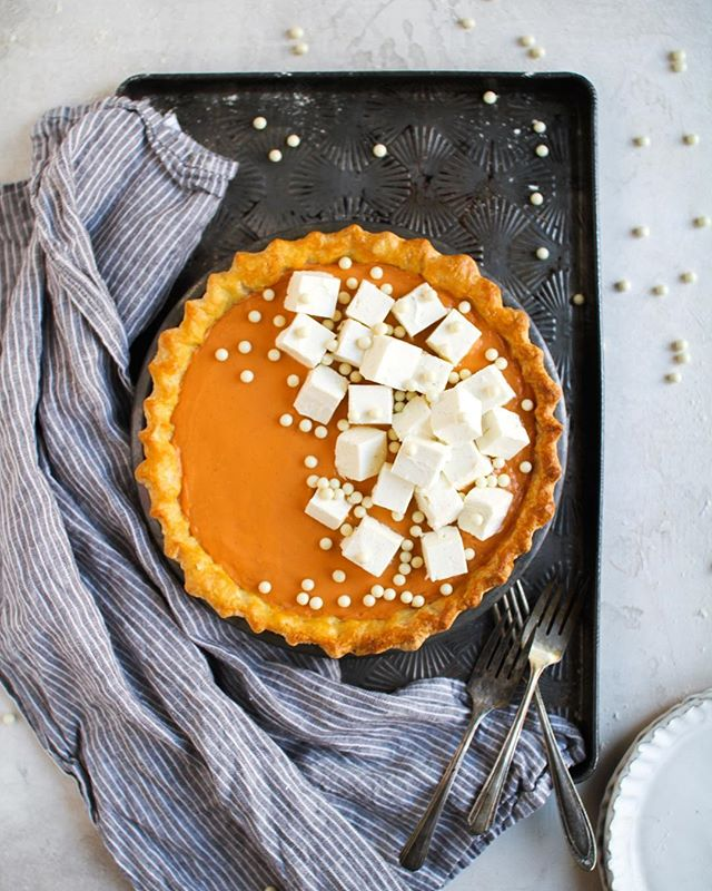 "Happy Pi(e) Day! — This Thai Iced Tea with Whipped Cream ""Ice Cubes"" pie is truly INSANE! This needs to be added to your baking list this weekend if you love a classic Thai iced tea as much as I do. This recipe is from @floursugarbutter's new book: The New Pie, which was released this week! Seriously this pie is a must bake! (trust me, I've eaten half of it by myself) 😆 Recipe link in profile. . . . . . #foxandcrane #thebakefeed #bakefromscratch @thebakefeed #feedfeed @thefeedfeed.baking @thefeedfeed #forkyeah #buzzfeedfood #gloobyfood #spoonfeed #tastingtable #foodandwine #buzzfeast #kitchenbowl #marthafood #imsomartha @marthastewart #lovefood @love_food #heresmyfood @food #thesugarfiles #bareaders #thekitchn #foodblogfeed @food52 #f52grams #f52 #saveurtraditions @saveurmag #sweetlife #baking101 #nationalpieday #macaronstagram #flatlaytoday @flatlaytoday #huffposttaste @huffposttaste #pieday"