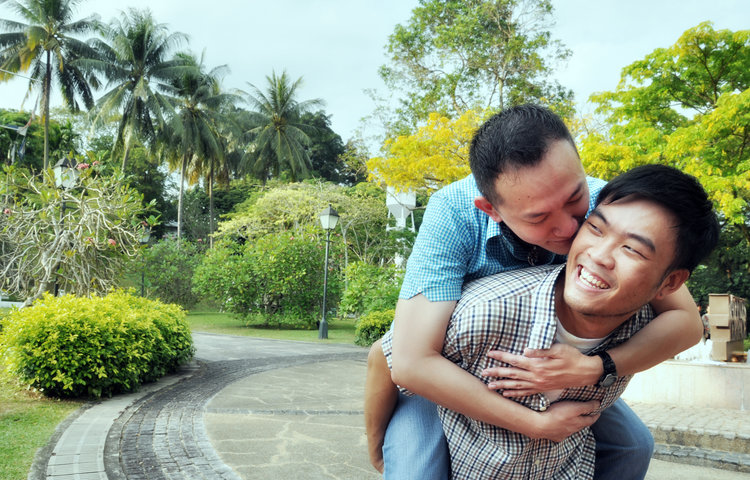 how do you know if you are dating a gay man