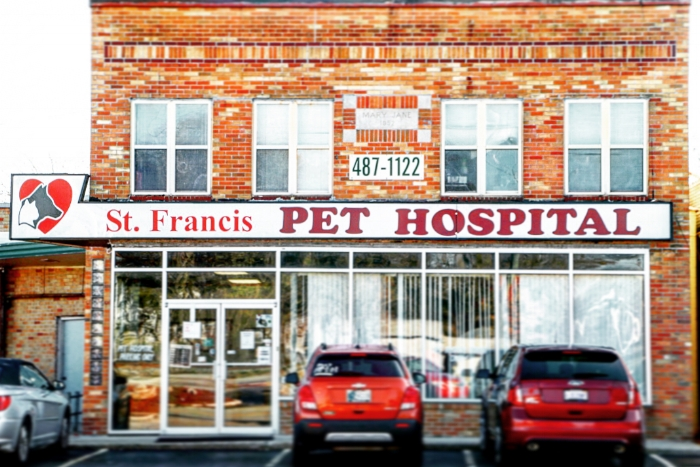 Our Indianapolis/Holt Road Location used to be a drug store and was converted into a pet hospital in 1993.