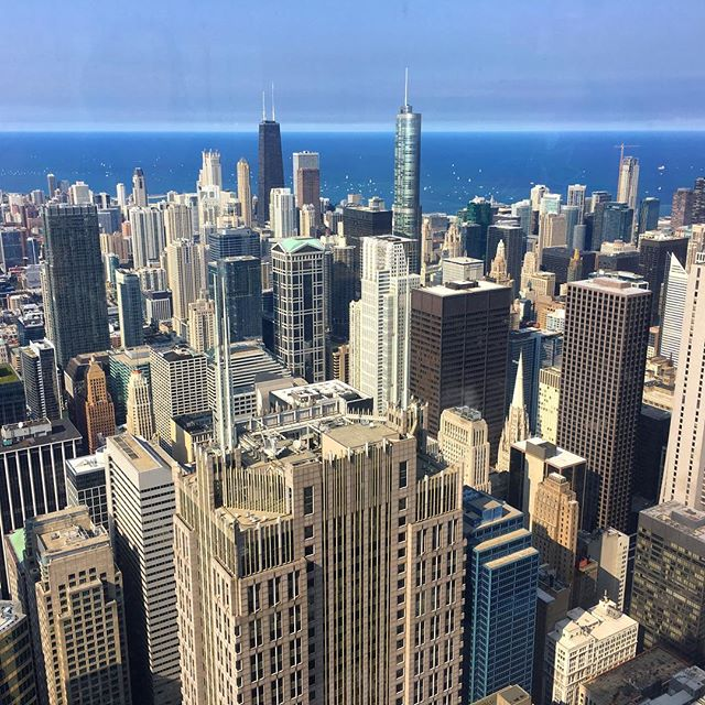 Tons of great ideas from our most recent DNA workshop with our client @fetchlifefranny AND amazing views thanks to @work_better make for a #successfulday . #willistower #xxy #chicagoskyline #viewfromabove #chicagoloop