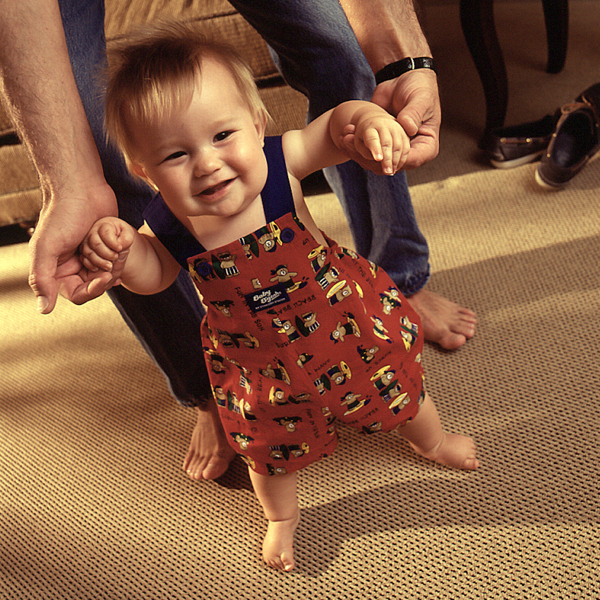 Baby_Walking-Smiley.jpg
