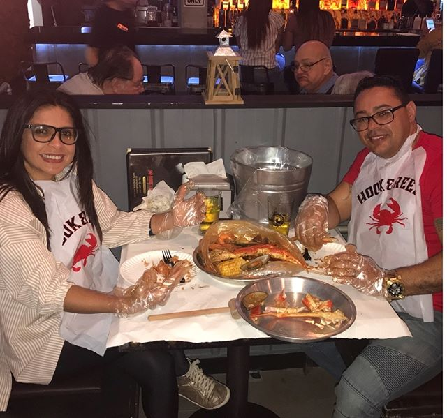 It's all smiles once that delicious personalized Cajun #SeafoodBoil hits the table! Create a boil just as unique as you in FOUR easy steps! First, pick your catch. Second, pick your sauce. Third, pick your spice level Lastly, add in all your extras, and get ready to dig in!! Thanks for sharing this picture with us @aline.carioca2012