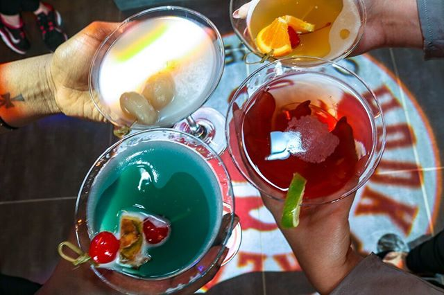Cheers to the start of a three day weekend! Celebrate #LaborDay all weekend long right here at Hook & Reel!