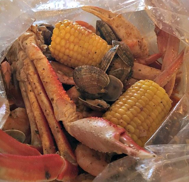 Ready to dine... #SouthernStyle !? Create your personalized seafood boil by choosing a pound of seafood and your desired seasoning, leave the rest of the magic to us!