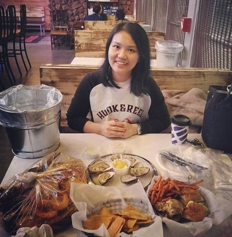 It's all smiles once that personalized seafood boil and mouth-watering Hook & Reel appetizers hit the table.