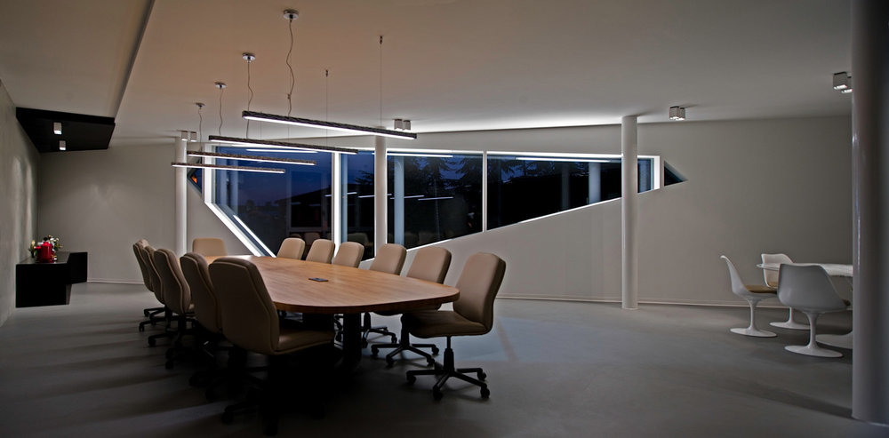 ANNOVI E REVERBERI Progettazione illuminazione uffici reception ed esterni progetto architettonico Maurizio Di Mauro architetto Marcello Colli