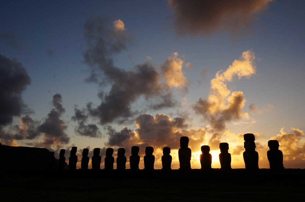 Moai  on the Ahu Tongariki. (Isla de Pascua).