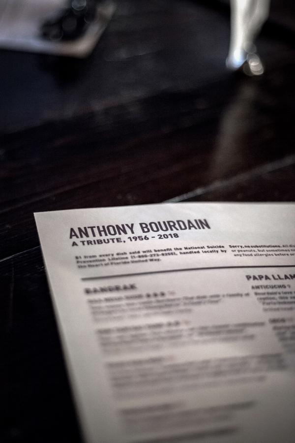 anthony_bourdain_redlight_2.jpg