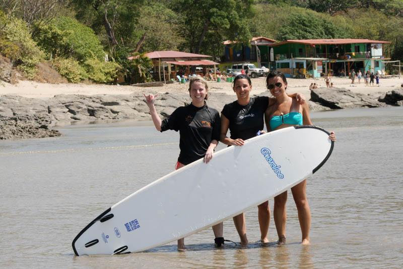 Mango-Rosa-Nicaragua-female-surfers.jpg