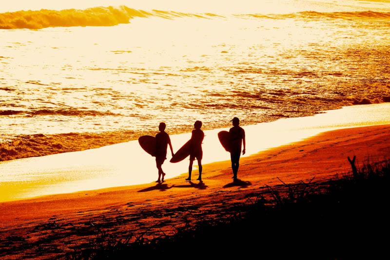 Mango-Rosa-Nicaragua-Ocean-surfers.jpg
