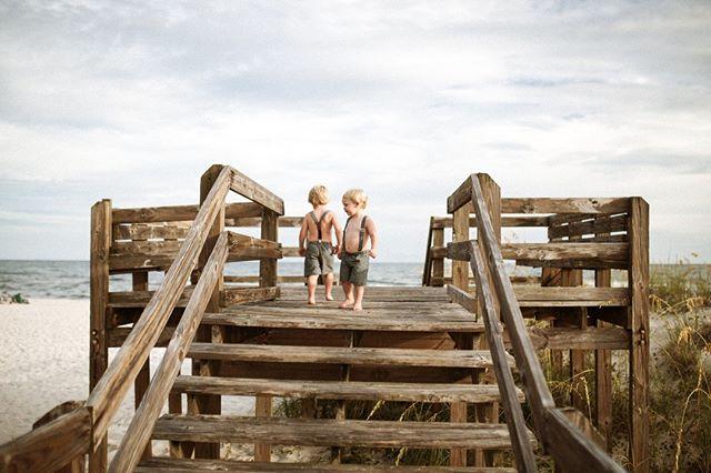 Happy Saturday!  How adorable is this image by @lucysteinerphotography? . . #1888AD . #letthekids #subjectlight #kidsplay #unpluggedchildhood #letthembekids #tribearchipelago #itsthelittlethings