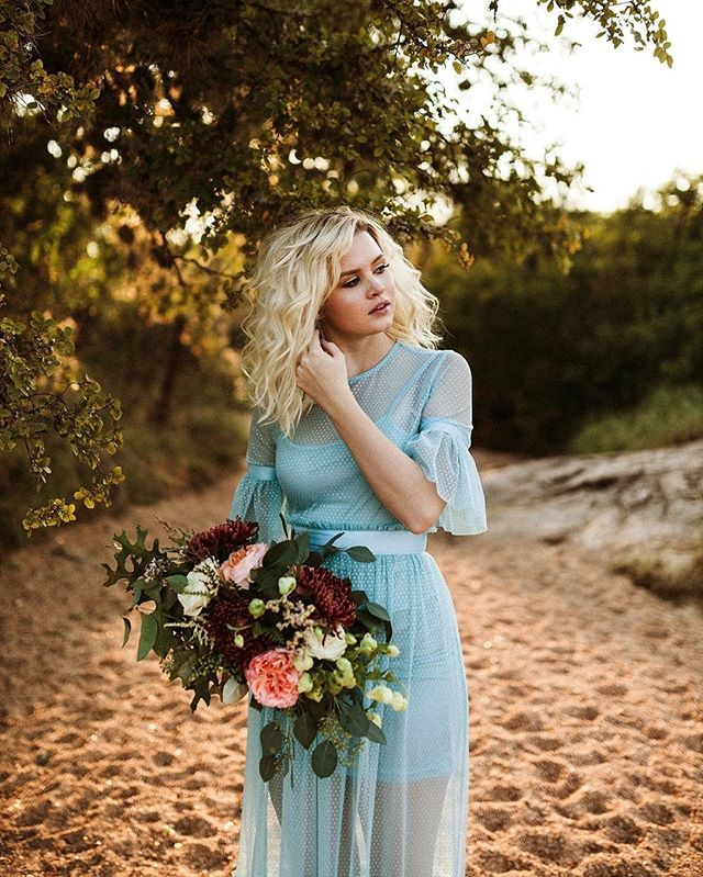 """""""I must have flowers, always, and always."""" ― Claude Monet  Beautiful image by @vee.tellez. Edited with 1888AD. . . #1888ad #tribearchipelago #dsfloral #flowers #makeportraits"""