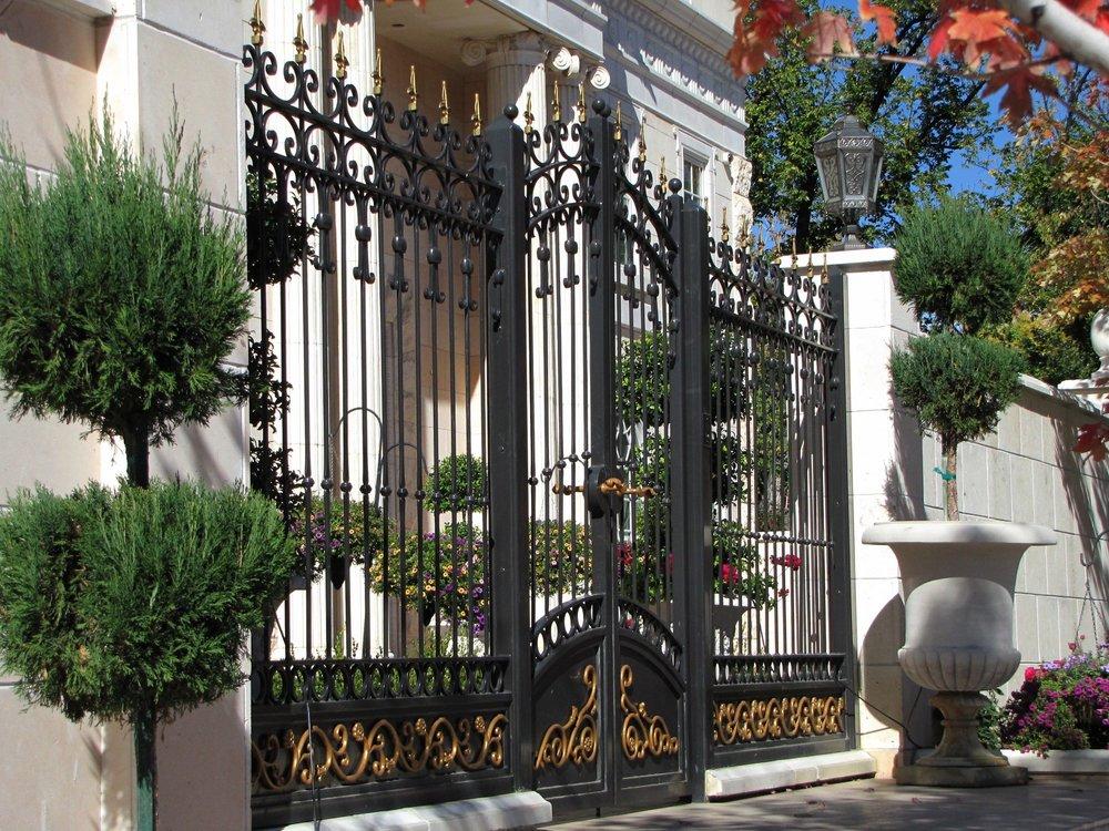 Hasan gates and fence0011.JPG