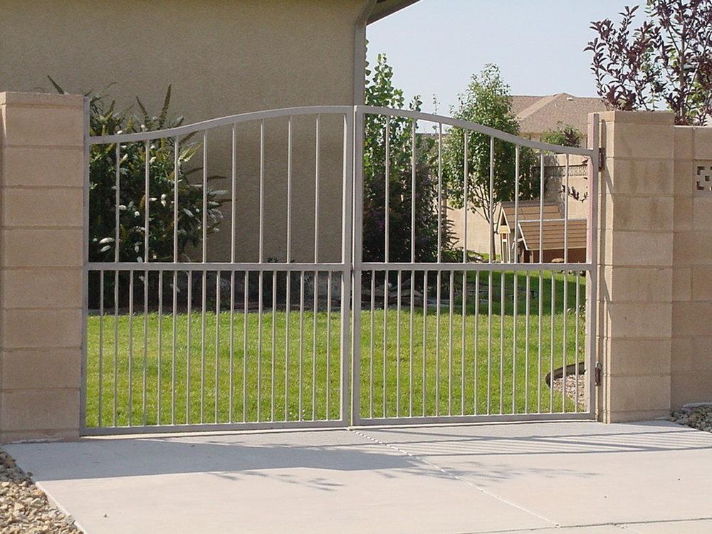 Chavez gates bf006.JPG