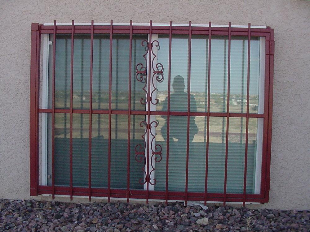 Rhodes iron door and guards0004.JPG