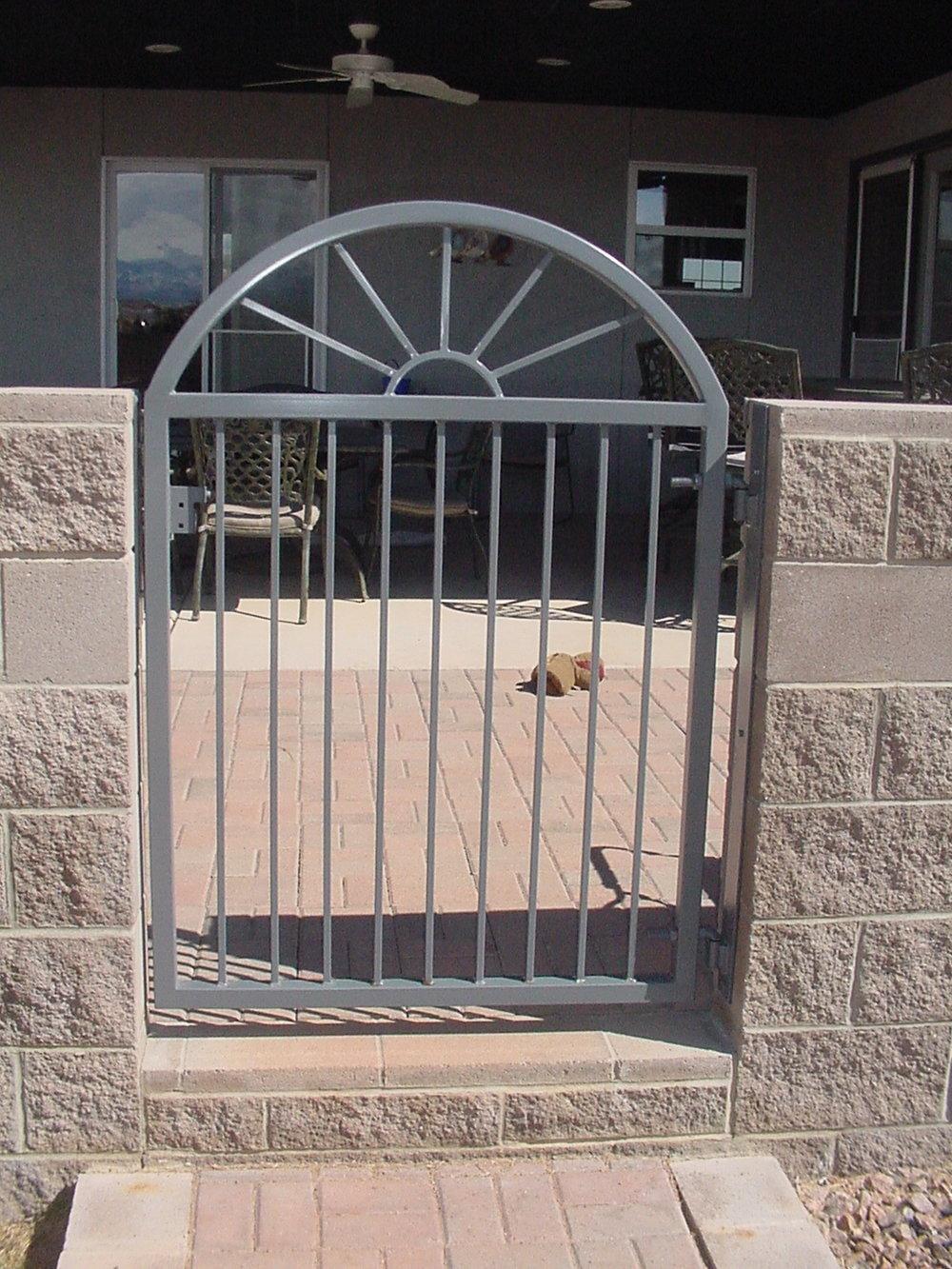 Saling Don gates0002.JPG
