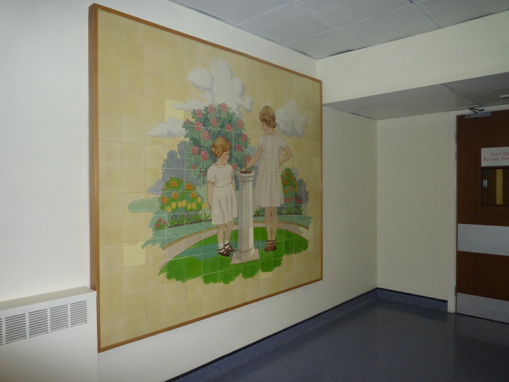 ` One of the 12 tiled panels at the Princess Elizabeth children's ward of Ealing's King Edward Memorial Hospital, 1934 (below) .