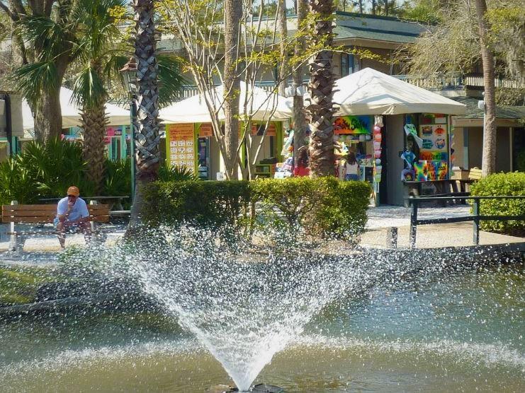 coligny-plaza-hhi-shopping.JPG
