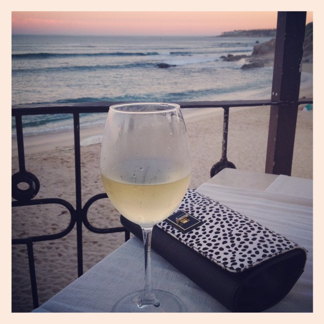 Stylemindchic Lifestyle and a glass of sauv blanc at 7 Seas Seafood Grille by the sea in Los Cabos