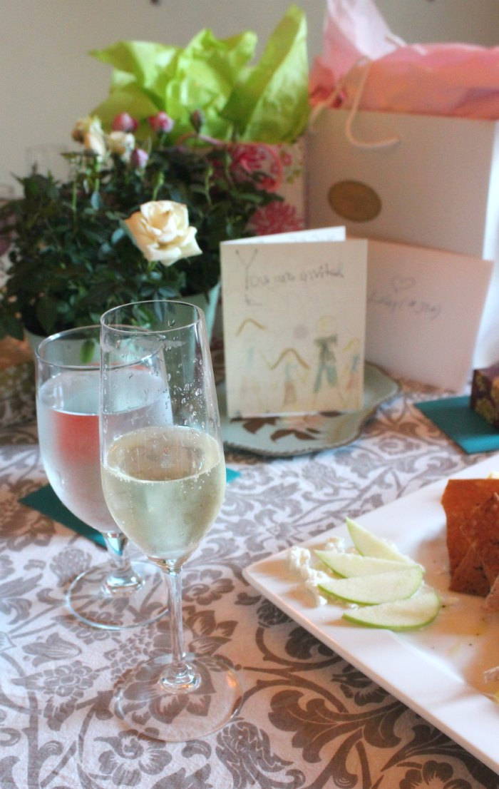Prosecco and Pretty Little Things Shower on Stylemindchic Life