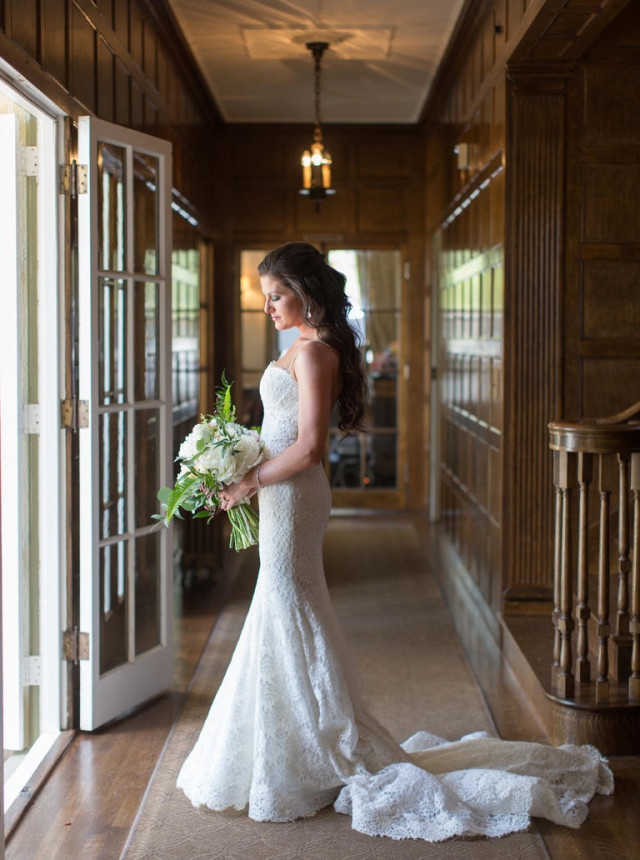 Wine-country-wedding-stylemindchiclife-jasminestar-theknot The bride ready for her wedding