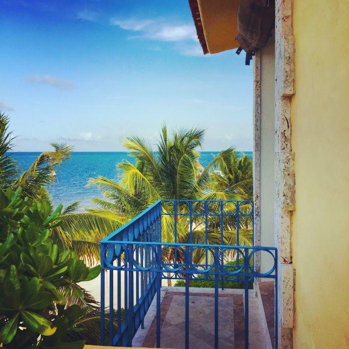 zoetry-balcony-blue-stylemindchiclife