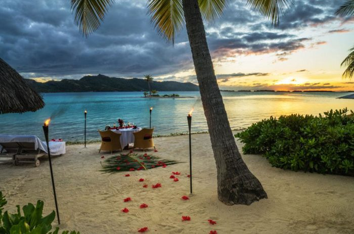 romance-2018-four-seasons-resort-bora-bora-700x463.jpg