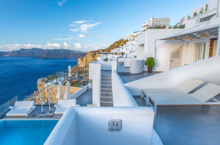 romance-2018-santorini-secret-suites-spa-700x463.jpg